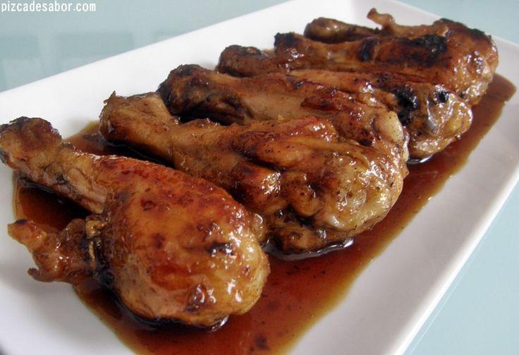 Aprende a preparar unas deliciosas piernas de pollo agridulces. Puedes usar la salsa agridulce y cocinar pechuga de pollo, carne o vegetales.