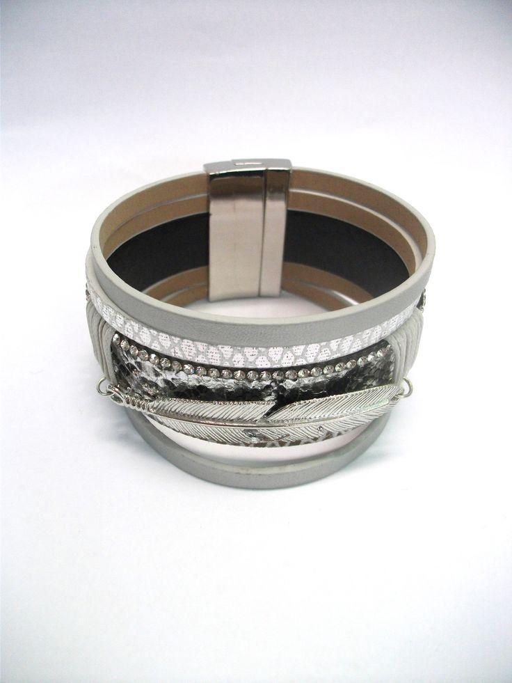 BC65733 Silver feather charm bracelet