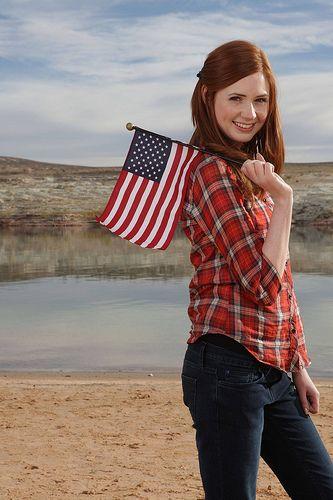 Amy Pond (Karen Gillan)...