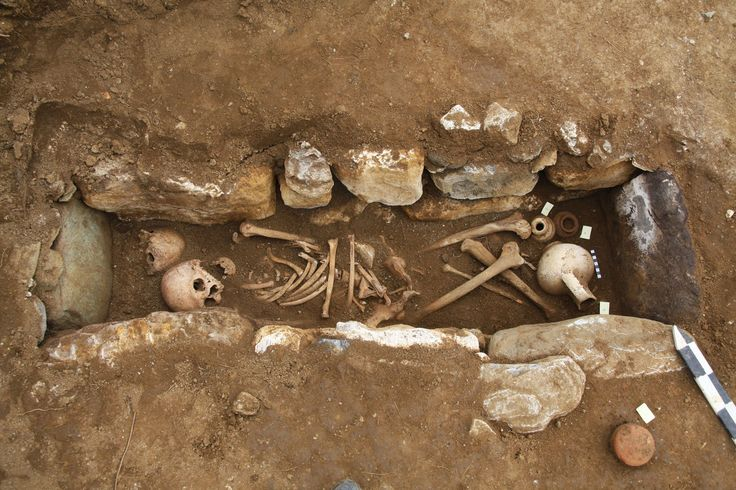 "A #cist grave from ""Rema Xydias"" in #Platamonas (#Pieria, Greece).   #archaeology, #reseach"
