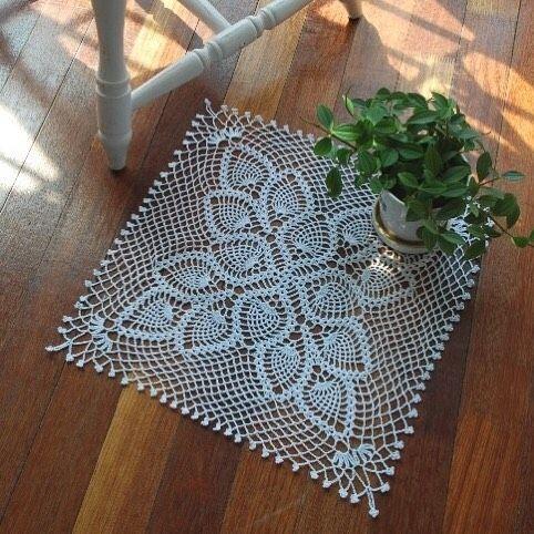 #crochet #crochetlace #mycrochet  #뜨개스타그램 #손뜨개 #코바늘 #레이스 #뜨개질  사각도일리  기대하지 않으면 실망할 일도 없다. by motif_pini
