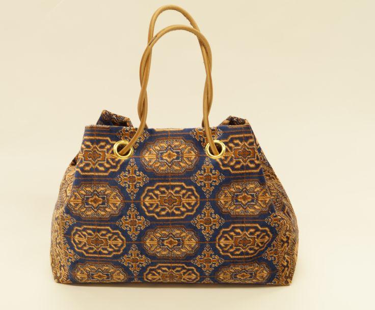Carpet Bags Cosmic bag in Blue Chiraz