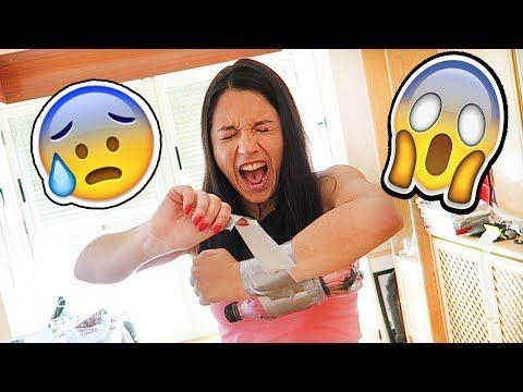 """NATALIA NO SE PUEDE QUITAR ESTO - VER VÍDEO -> http://quehubocolombia.com/natalia-no-se-puede-quitar-esto    COMPRA EL MEJOR LIBRO DE SUPERVIVENCIA ZOMBI  😀 """"Cómo sobrevivir a un apocalipsis zombi con ExpCaseros"""" ¡Suscríbete! Síguenos también en nuestras redes sociales y no te pierdas nada de lo que hacemos: – Snapchat: expcaseros1 – Instagram: – Twitter: –..."""