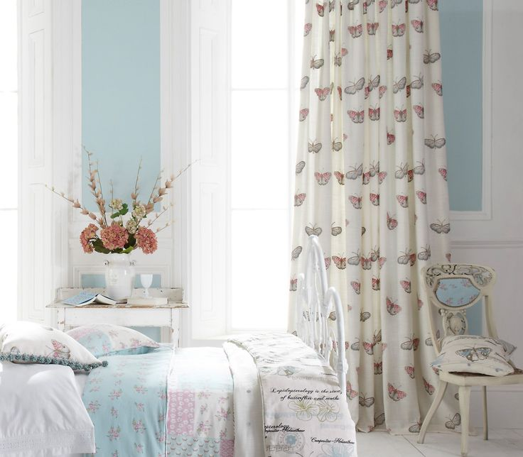 iLiv Butterfly Vintage Curtains are the perfect addition to a pretty country interior. The curtain fabric has delicate embroidered butterflies in an array of soft colours to bring a calm touch of the outdoors inside!
