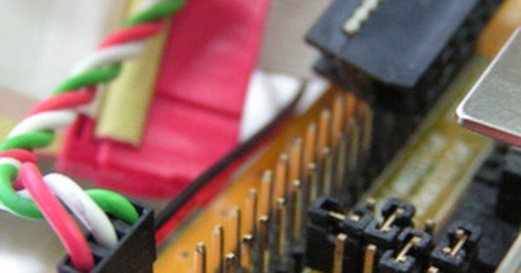 Cómo recuperar imágenes borradas de la papelera de reciclaje. Los documentos pueden ser re-creados, pero las apreciadas imágenes son un momento capturado en el tiempo que no puede ser repetido. Afortunadamente, sólo porque una foto es borrada no significa que la has perdido. Recupera una foto desde tu disco duro incluso después de que ha sido borrada de la papelera de reciclaje.