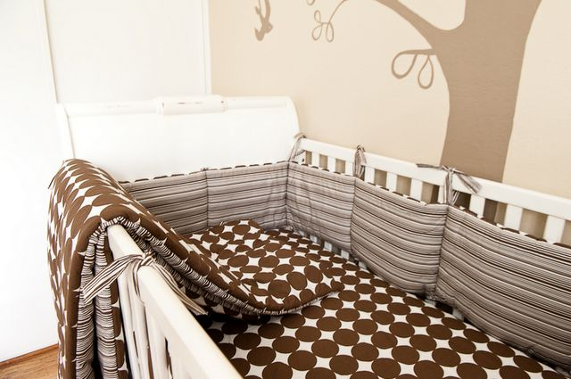Simplified Bee®: Baby Boy: Bird Theme Nursery Design & Decorating Ideas. This would be great in black and white with yellow trim