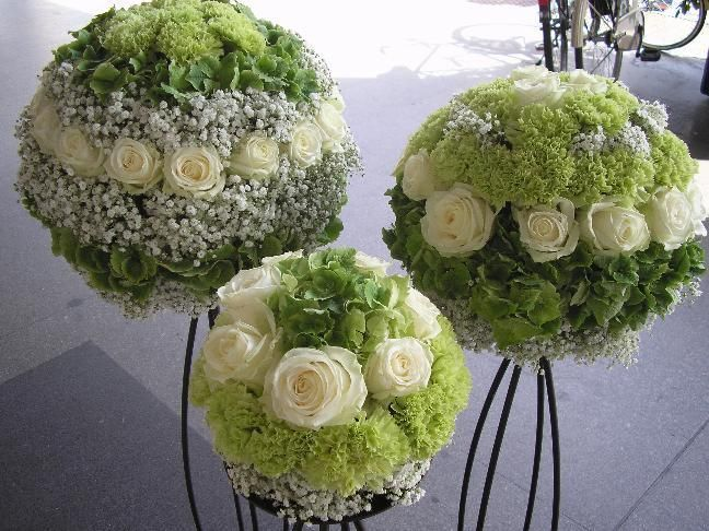 Round compositions of roses, in shades of green and ... - #Compositions #in #of #theworld
