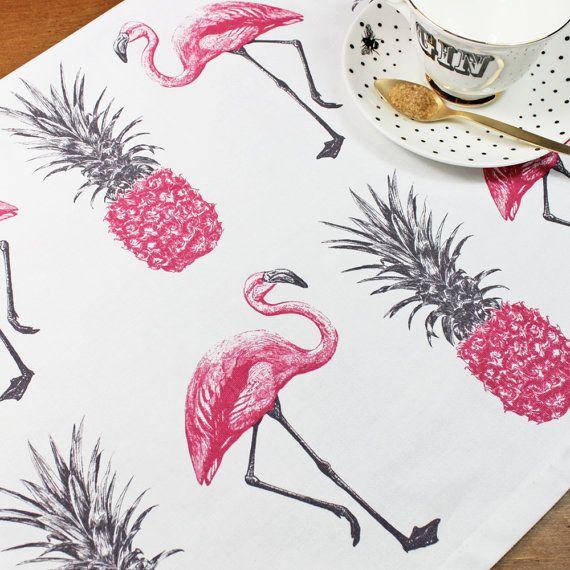 No, no se dice flamingos. Ya sé, es difícil de aceptar.
