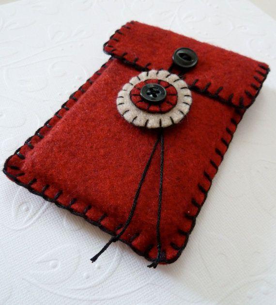 Red and Black Felt Ipod Iphone Smart Phone Cell por SweetlyFelt