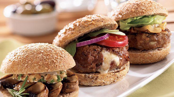California Cevizi ve Gorgonzolalı Mini Dana Burgerler