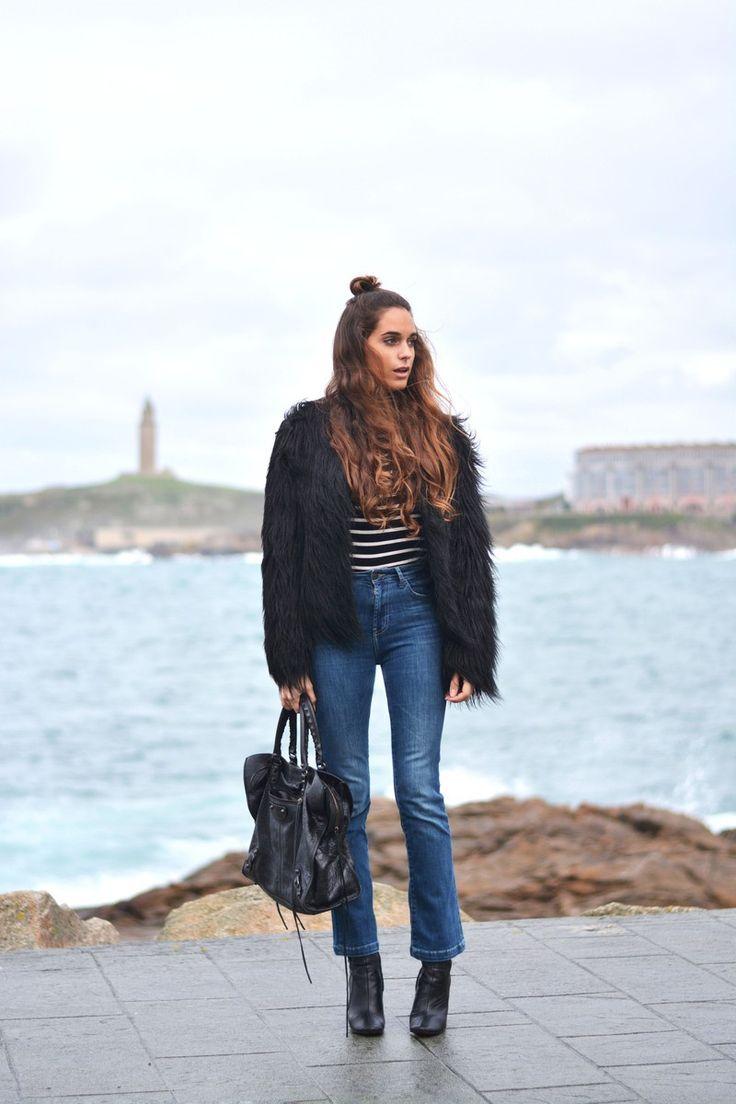 coat: Topshop | bag: Balenciaga | Zara cropped flare jeans | stellawantstodie