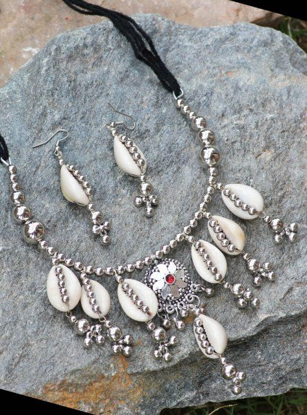 Tribal SHELL & STONE SILVER Necklace Set