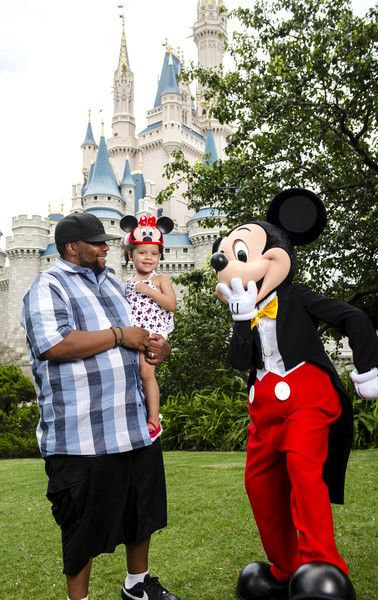 Found on Google from zimbio.com Kenan Thompson at WDW 2017