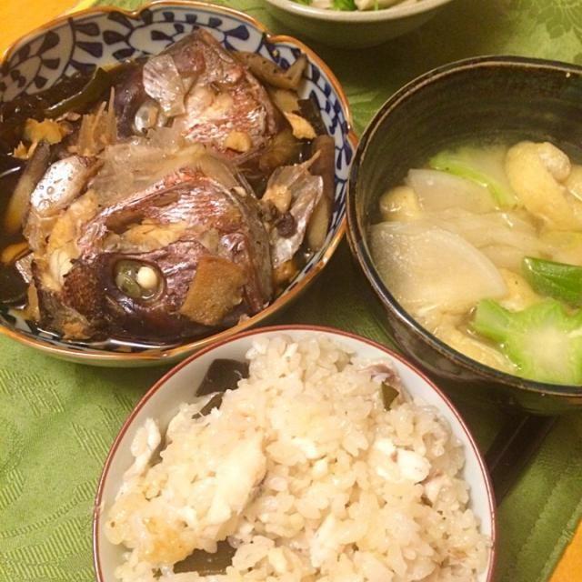 豆苗とシメジのお浸し。 大根、ブロッコリー芯、エリンギ、白ネギ、薄揚げの味噌汁。 - 13件のもぐもぐ - 鯛のアラで、アラ煮と鯛飯。 by hiromange