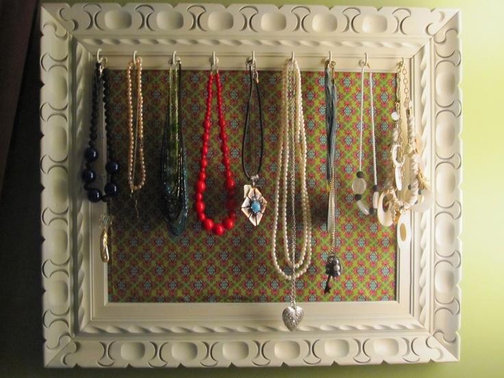 Oltre 25 fantastiche idee su appendi collane su pinterest - Porta collane da armadio ...