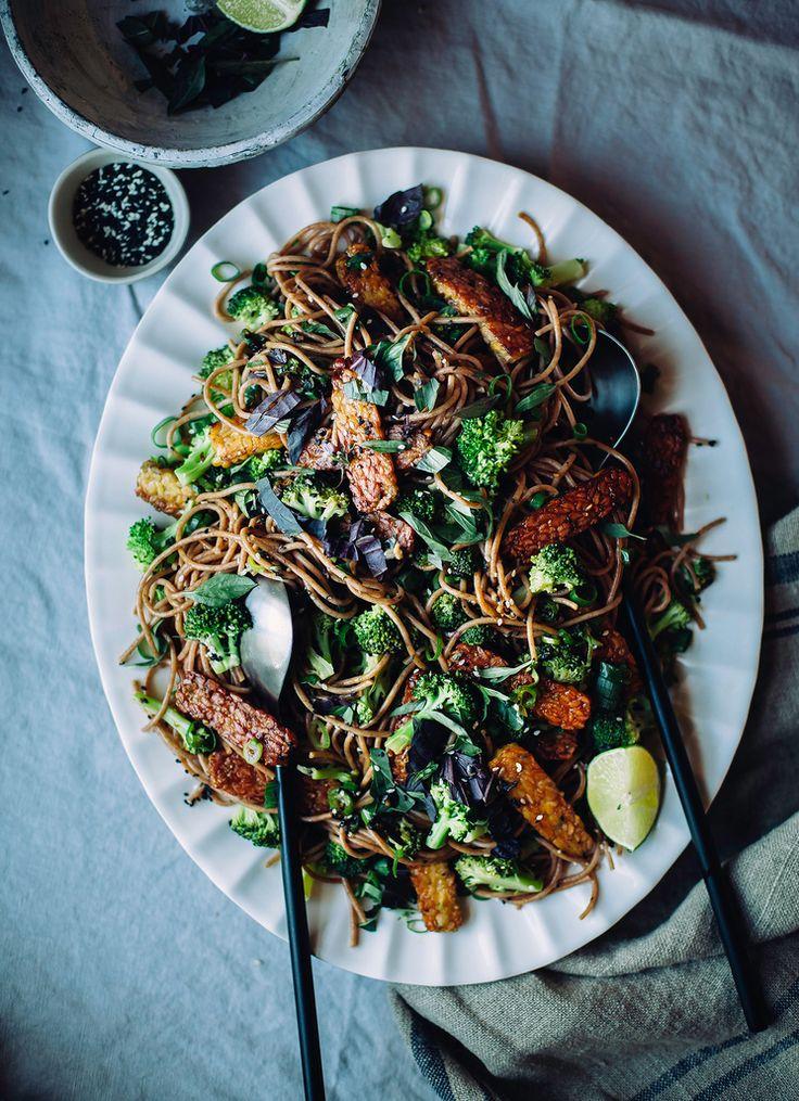 garlic sesame noodles with broccoli, basil & crispy tempeh
