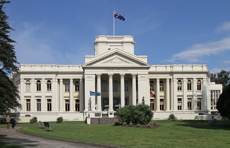 St Kilda Town Hall main body 1890, portico 1925 and walls rendered 1930s.