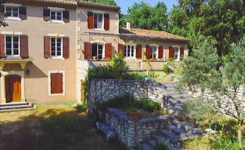 Saint Remy de Provence | Farmhouse | Provence/Cote d'Azur | Bouche du Rhone | South of France and the Riviera | Lovely house nestled in the hills and in the middle of pine trees. Ideal for families or a group of friends, with private swimming pool | Sleeps 12 | #holidayrentals #frenchmaison #saintremy #provence #bouchedurhone #southoffrance #france #swimmingpool