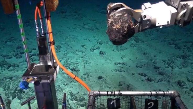 Imagen de los trabajos realizados por la nueva expedición científica para explorar esta zona del Atlántico. Centro Oceanográfico del Reino Unido
