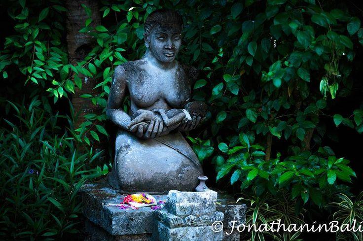 Sanur Bali Indonesia  For the book Secrets of Bali Fresh Light on the Morning of the World - go to http://ift.tt/2oNwySP  For the book Murnis Bali Tours Where to go What to do and How to do it - go to http://ift.tt/2oRi9EL  #aroundtheworld #worldtraveler #jonathaninbali #www.murnis.com #travelphotography #traveler #lonelyplanet #travel #travelingram #travels #travelling #traveling #instatravel #asian #travelphoto#exploringtheglobe #theglobewanderer #mytinyatlas #planetdiscovery…