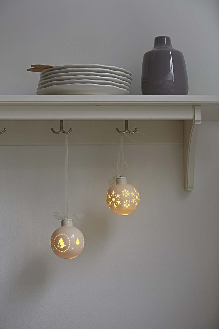 Sandra & Sille l | Christmas by nordlux | Inspiration | Christmas | Nordic and Scandinavian style | Light | Decoration | LED | Diode
