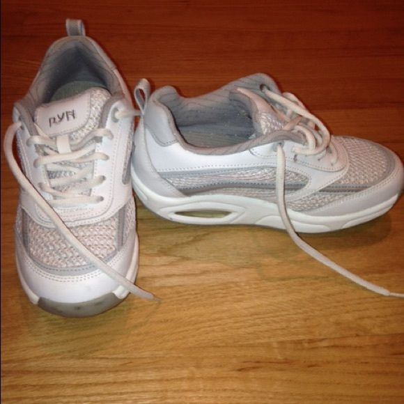 💁🏼👟 Sale‼️ Women's Rocker Bottom Walking Shoe Final Price Drop‼️ Ryn (brand) white athletic wellness walking shoe for women. In excellent condition only worn once outside, haven't worn since. Rocker bottom promotes muscle tone, good posture and helps with joint pain. Ryn Shoes Athletic Shoes