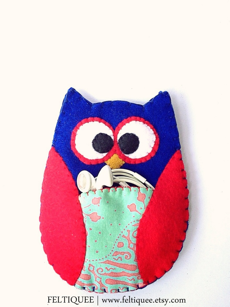 Owly is saying hi. Visit Owly at www.feltiquee.etsy.com