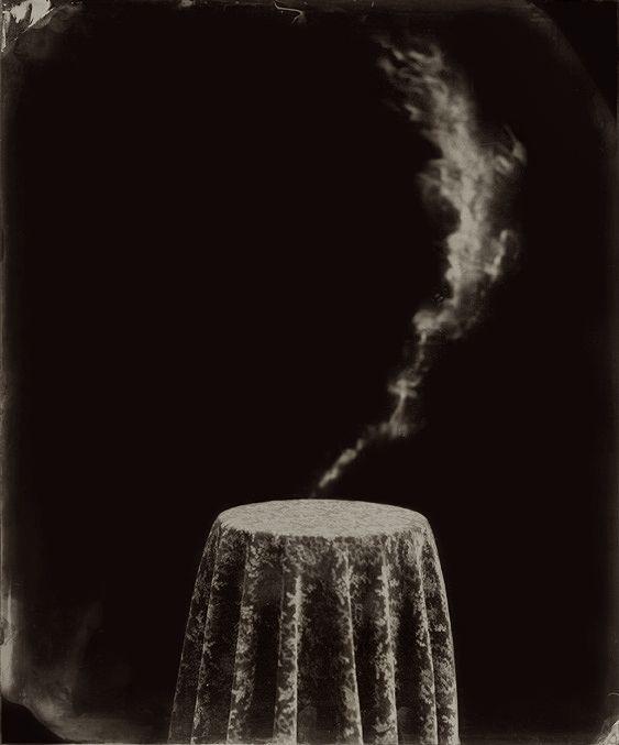 Ben Cauchi | Still Life | www.bencauchi.com Photo de la couverture du roman Dans le noir de Claire Mulligan (traduit par Sophie Voillot) paru aux Éditions Alto