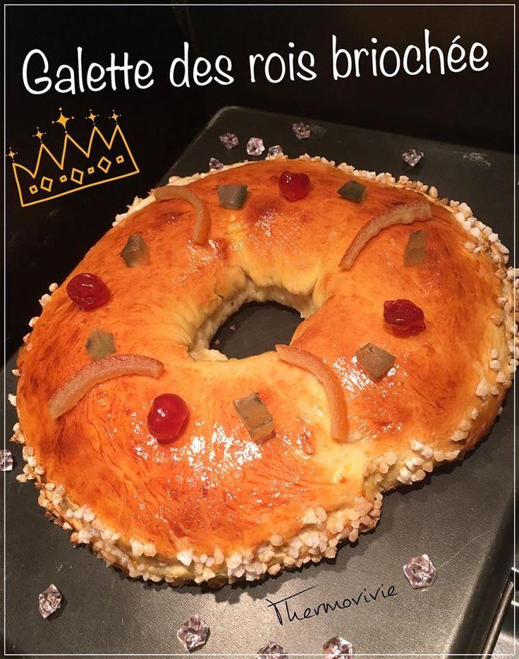 Ici en Corse, la galette traditionnelle n'est pas la galette feuilletée, mais plutôt une bonne brioche bien parfumée à la fleur d'oranger et aux fruits confits.. Je l'ai réalisé bien moelleuse pour faire plaisir à tous mes petits gourmands. Ingrédients:...