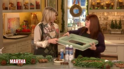 Crafter Naomi Martin shows Martha Stewart how to make a wintry botanical framed mirror. The mirror is a great way to add a homemade and seasonal touch to your decor.