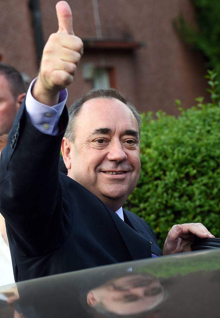 """Schotte, der nicht mit Worten geizt - Es ist der große Tag des Alex Elliot Salmond. Jahrelang hat der Chef der linksgerichteten """"Schottischen Nationalpartei"""" (SNP) auf dieses Referendum über die Unabhängigkeit von Großbritannien hingearbeitet. Mehr zur Person: http://www.nachrichten.at/nachrichten/meinung/menschen/Schotte-der-nicht-mit-Worten-geizt;art111731,1502663 (Bild: epa)"""