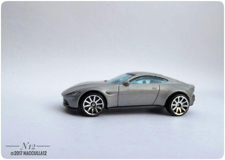 Aston Martin DB10 diecast 1:64