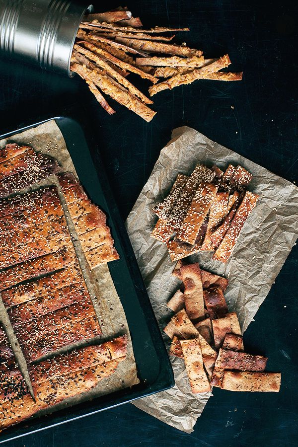 These crackers are just beyond amazing. Rye crackers with seeds. Get the recipe on http://www.jernejkitchen.com