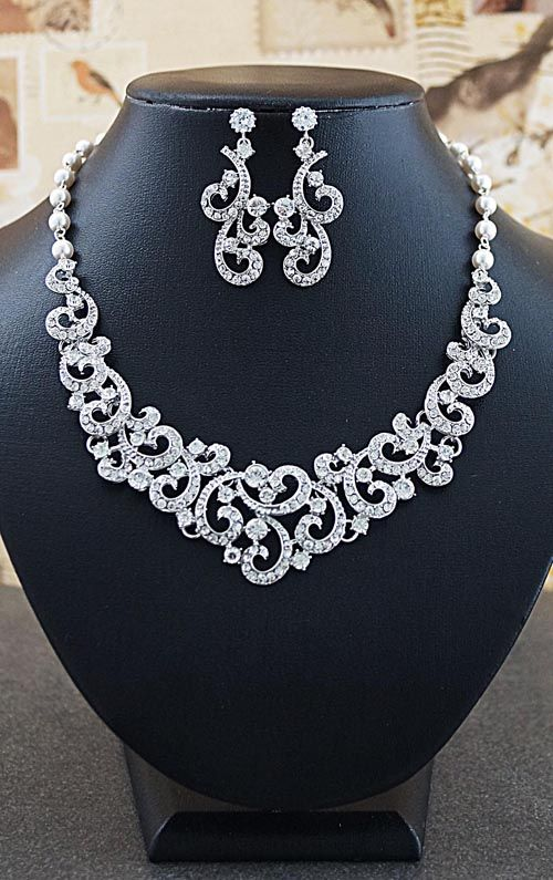 Vintage Victorian style Bridal Statement Necklace and Earrings Set - 4