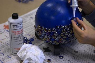 STEP BY STEP GUIDES: How to turn bowling   balls into yard art