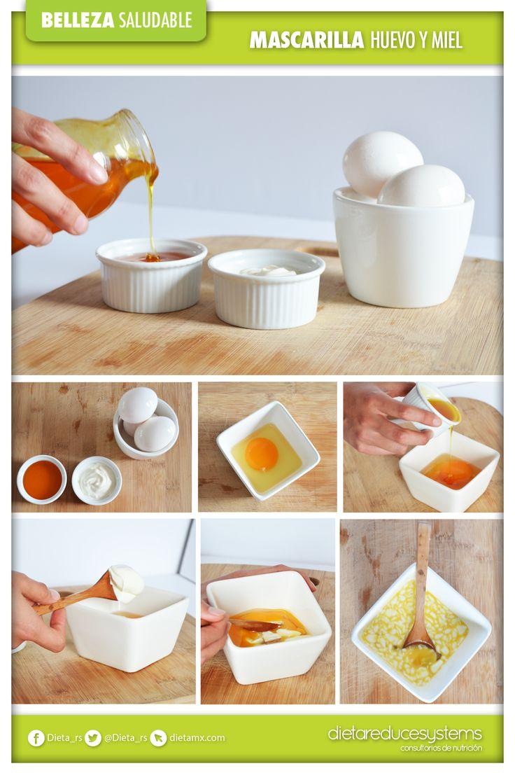 El huevo es un ingrediente que ayuda a remediar la piel seca, contiene proteínas y lecitina, un lubricante natural para la piel. Con la siguiente receta casera podrás quitar las células muertas de tu cuerpo.  Ingredientes: 1 huevo crudo 1 cucharada de miel 1 cucharada de crema agria Pasos a seguir:  Mezclar los ingredientes y untar sobre el rostro y el cuello, dejar reposar de 15 a 20 minutos, después enjuagar con agua tibia. Con estos sencillos pasos, tu piel se estará hidratada y suave.