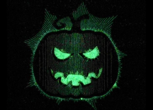Scary gifts at DaWanda - Scary pumpkin - Glow in the dark special designed machine embroidery designs  Use this with glow in the dark thread and you might just have the best gift ever. - via en.dawanda.com