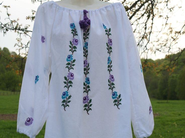 Bluza cu motive tip ie traditionala
