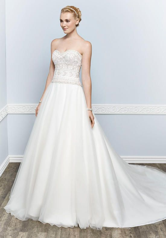 Organza ball gown with sweetheart neckline and semi-cathedral train | Kenneth Winston | https://www.theknot.com/fashion/1662-kenneth-winston-wedding-dress