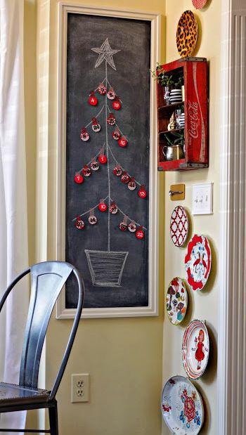 Small space DIY Christmas tree ideas // crafty advent calendar on chalkboard