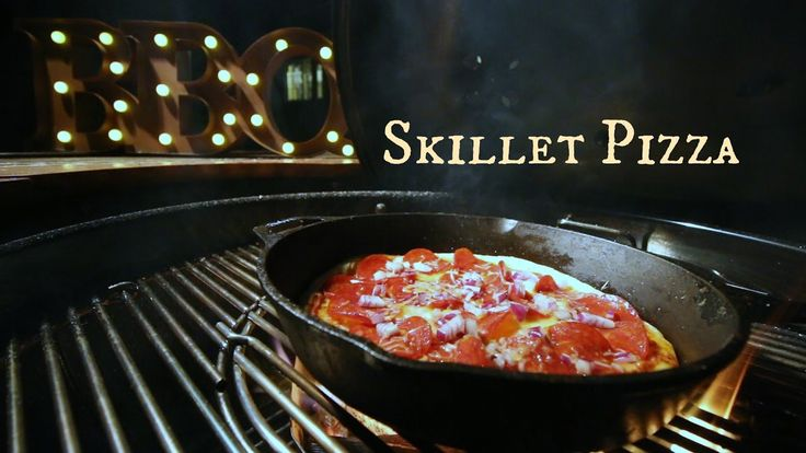 Skillet Pizza On The Weber Charcoal Grill | Grilled Pizza | Baum Grillin'z - YouTube