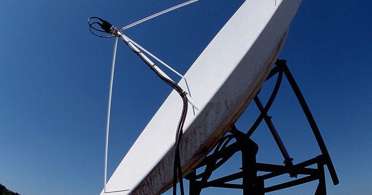 Cómo alinear una antena parabólica sin un medidor. Para que una antena parabólica capte la señal debe estar correctamente alineada con el satélite. Es sumamente importante que se instale correctamente y que también se posicione de forma precisa. La diferencia de apenas unos grados hacia un lado u otro afectará de forma directa los resultados. Si tienes un medidor de satélite, podrás fácilmente ...