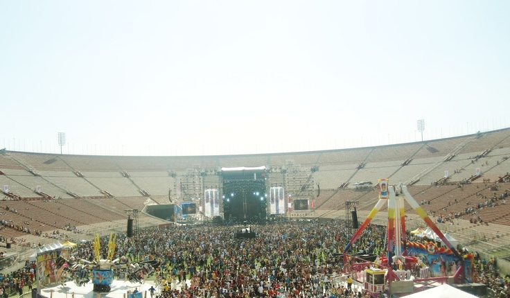 ELECTRIC DAISY CARNIVAL 2010 -- life changing experience! #PotentialistCanada