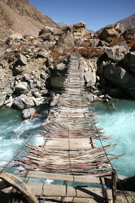 Un vieux pont suspendu, Afghanistan