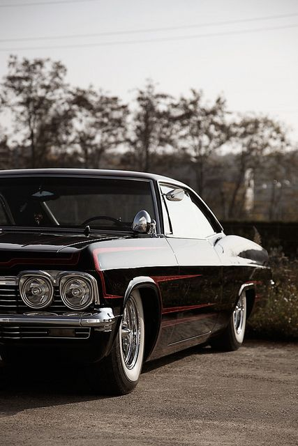 1965 Impala - my all-time most favorite old vehicle in the whole wide world, - or a 67' ya know eiher way.. SEXY