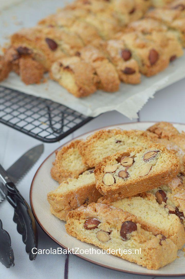 Recept voor echte biscotti-koekjes-cantuccini Recipe biscotti cantuccini