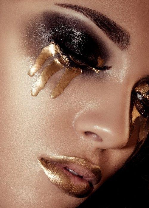 #gold #black #makeup #beauty #glossy