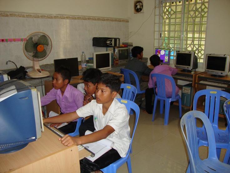 Volunteer Teaching Computer Skills in Phnom Penh  http://www.volunteeringsolutions.com/cambodia/volunteer/volunteer-in-cambodia