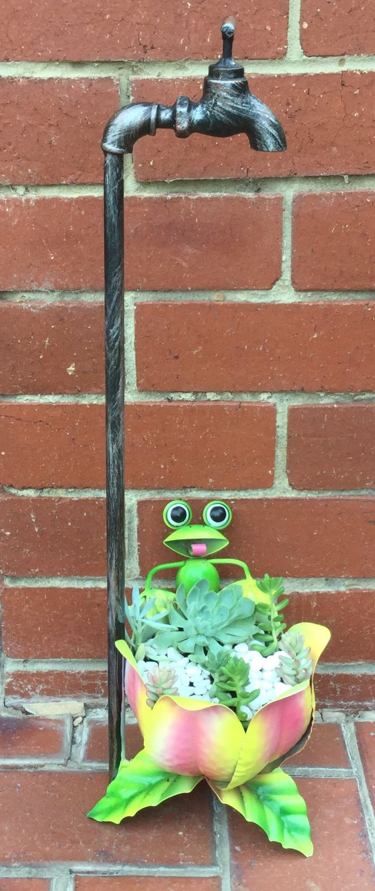 Cheeky Frog Faucet