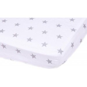 """Prześcieradło z Gumką """"Little Stars"""". Uniwersalny design srebrne gwiazdki na białym tle pasują zarówno dla chłopca jak  i dziewczynki."""